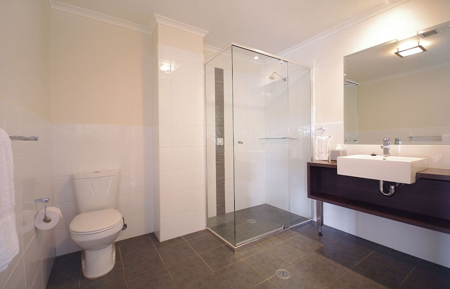 Port Macquarie Boutique Hotel Bathroom (6)