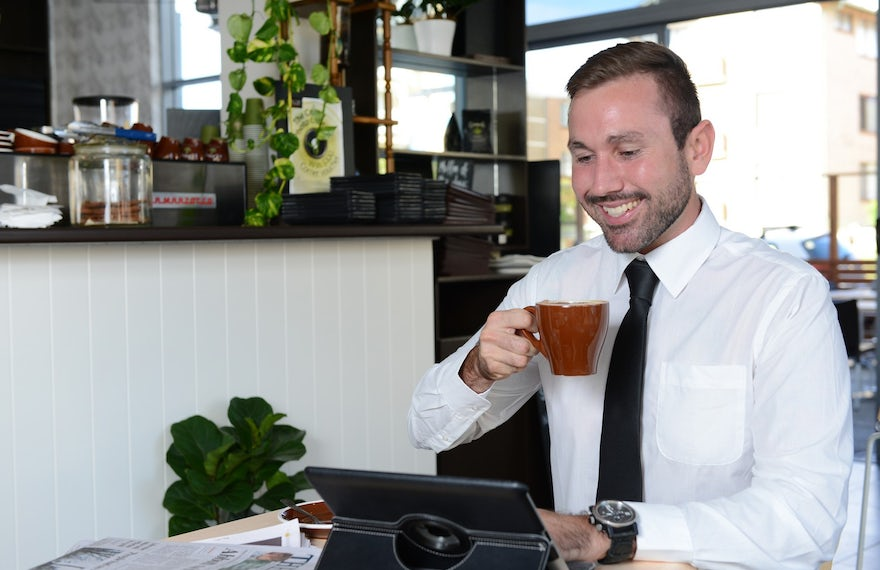 Corporate Travller at Macquarie Waters Boutique Hotel