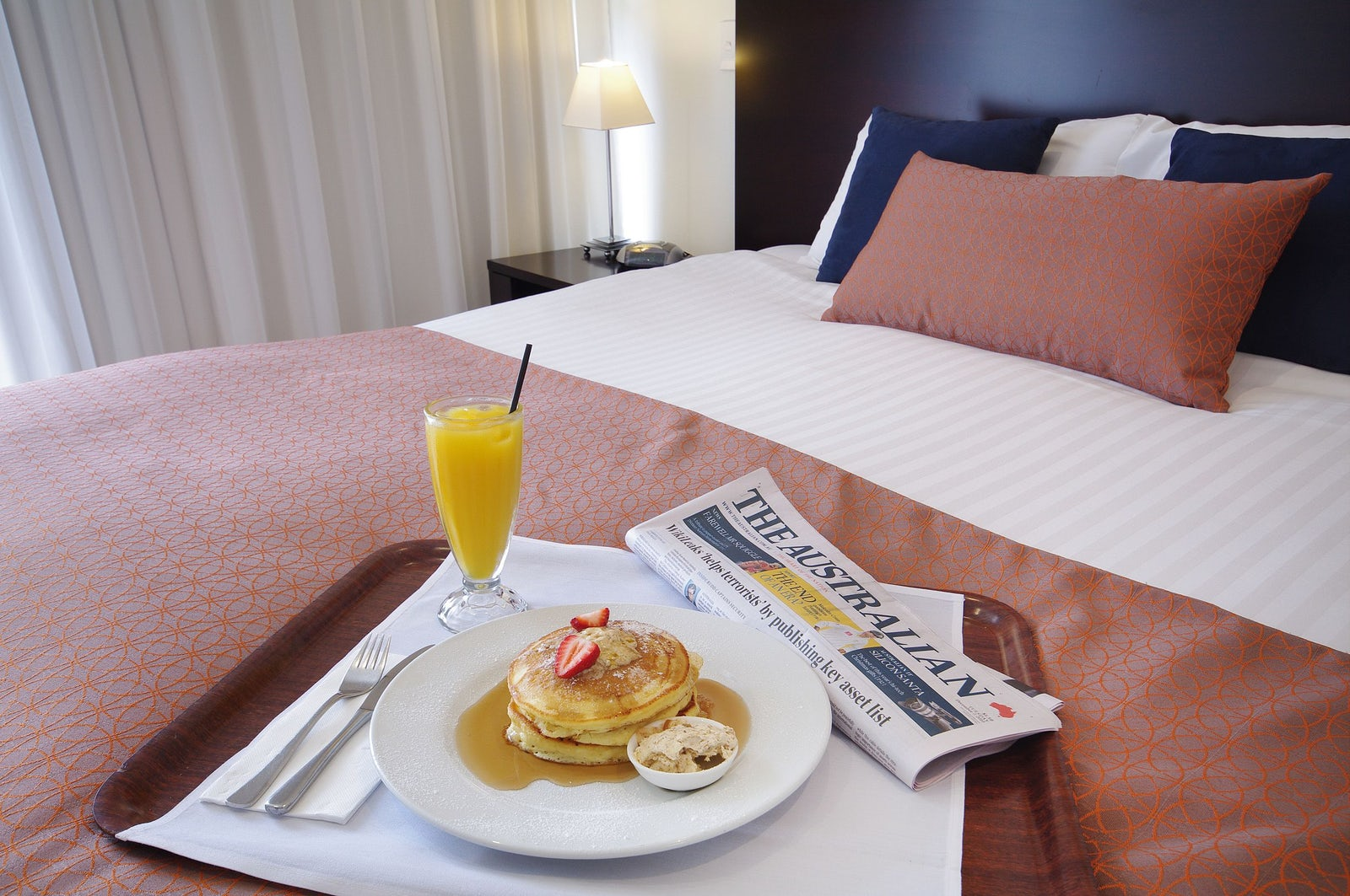Room service breakfast in bed at macquarie waters