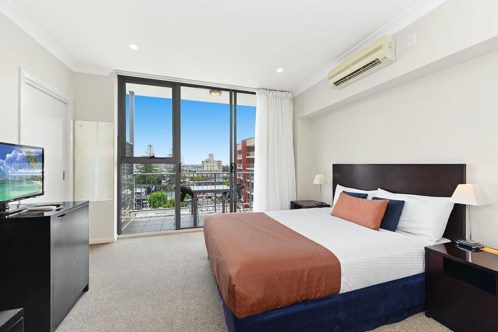 Macquarie Waters Apartment Double bed