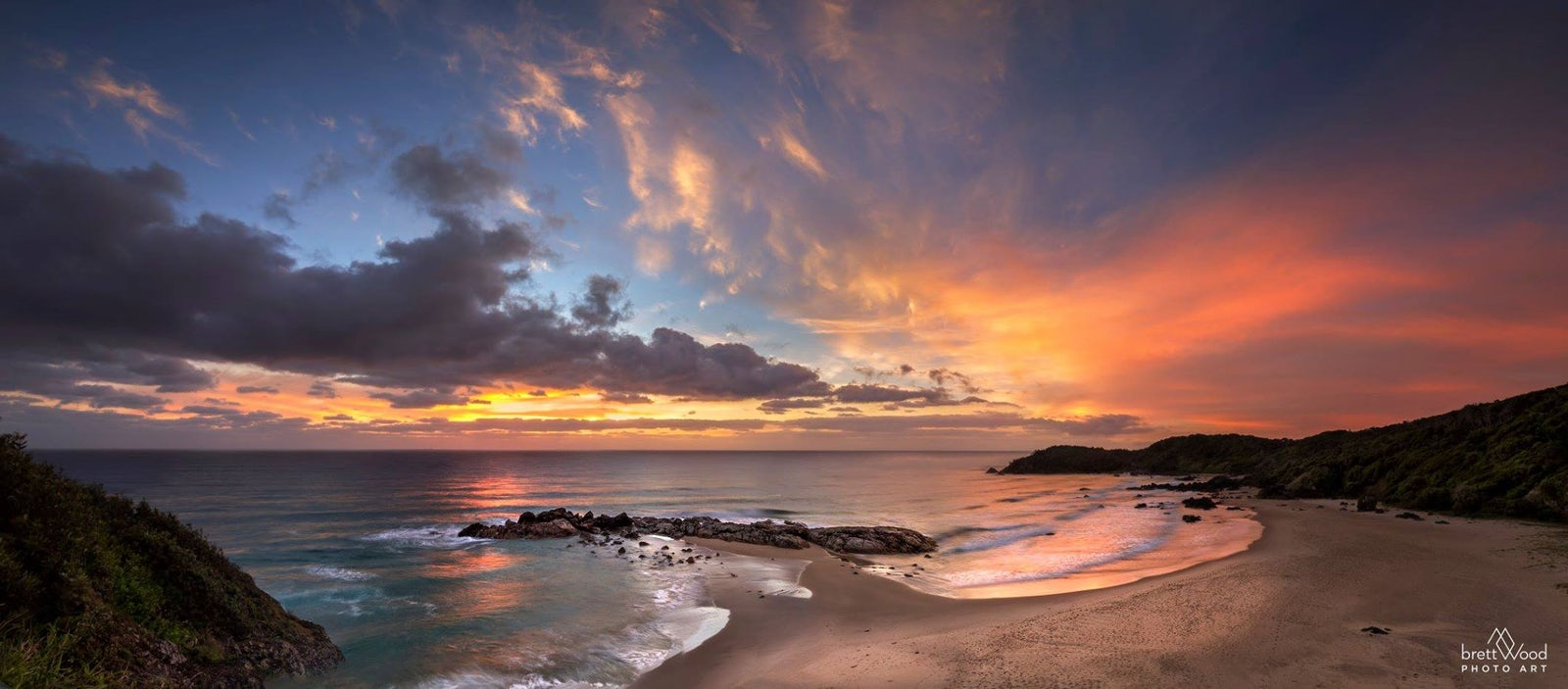 Sun Set across a port macquarie beach